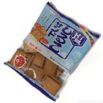 松永製菓の『塩しるこサンド』が甘じょっぱい味で美味しい!