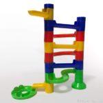 100均キャンドゥのビー玉転がし『コロコロ キャッスル』の玩具が面白い!