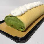 コストコの『抹茶&クランベリーロールケーキ』甘くない抹茶で美味しい!