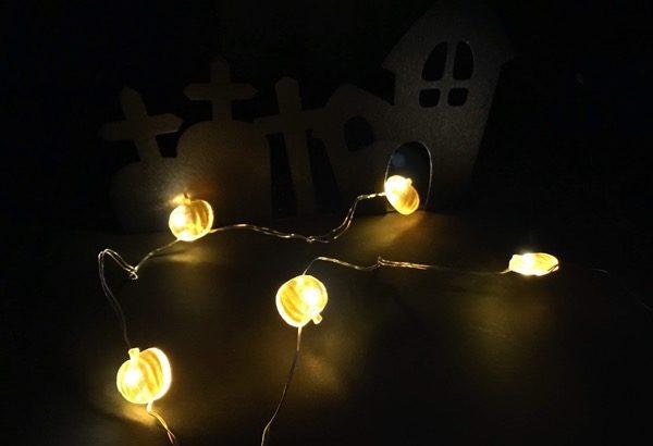 100均の『LEDジュエリーライト(カボチャ)』がハロウィンのインテリアに可愛い!