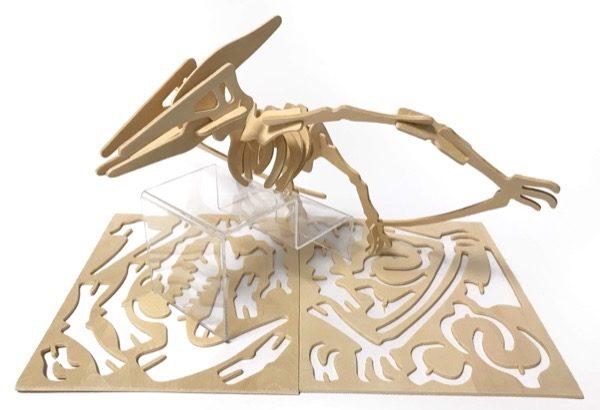 100均セリアの『恐竜 プテラノドン』ウッドクラフトが骨格でカッコイイ!
