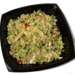 コストコの『キヌアチキンサラダ』がたっぷりキヌアに鶏肉とドレッシングで超おいしい!