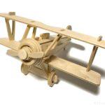 100均セリアの『複葉機』ウッドクラフトが翼が2枚の飛行機でカッコイイ!