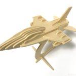100均セリアの『戦闘機』ウッドクラフトが台座付で空を飛んでるみたいでカッコイイ!