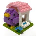 100均セリアの『ことりのおうち③むらさき(キッズブロック)』が紫色の鳥に青い花!