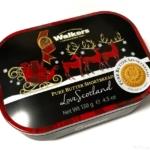 カルディの『ウォーカー サンタグリーティング ミニチュア缶』がクリスマスの缶に入って可愛い!
