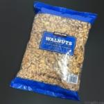 コストコの『KIRKLAND SIGNATURE クルミ 1.36kg』が袋にクルミがたっぷり入って美味しい!