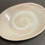 100均の『小皿 楕円』が和風なデザインで一品足す時に便利!