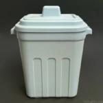 100均の『フタ付き角ペール ライトブルー』がミニサイズのゴミ箱で便利!